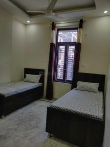 Gallery Cover Image of 600 Sq.ft 2 BHK Independent House for rent in Dwarka Mor for 15000