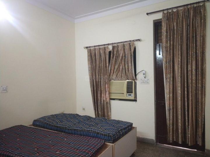 Bedroom Image of Narain's PG in Laxmi Nagar