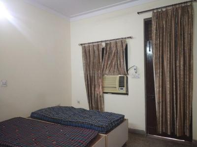 Bedroom Image of Narain's PG in Laxmi Nagar