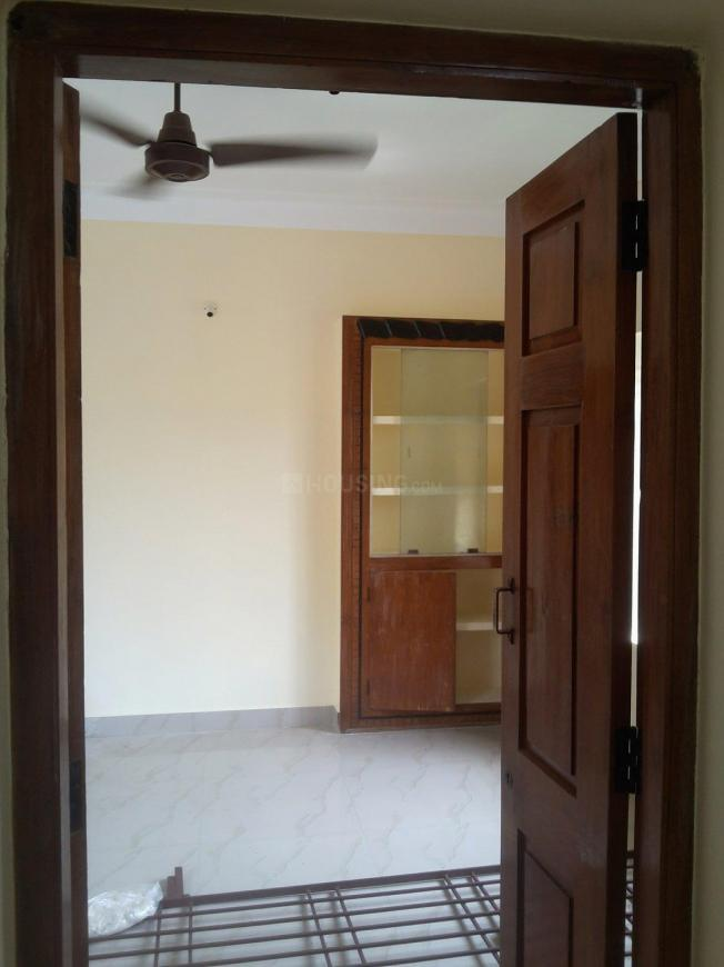 Main Entrance Image of 1000 Sq.ft 2 BHK Independent Floor for rent in Nanganallur for 12000