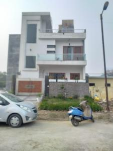 Gallery Cover Image of 4131 Sq.ft 7 BHK Independent House for buy in Jaypee Kensington Park Plot 1, Sector 133 for 16950000