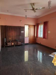 Gallery Cover Image of 1350 Sq.ft 2 BHK Apartment for rent in HBR Layout for 18000