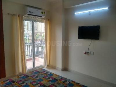 Gallery Cover Image of 1550 Sq.ft 3 BHK Apartment for rent in Mahagun Moderne, Sector 78 for 27000
