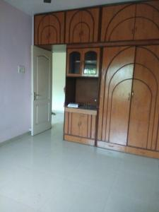 Gallery Cover Image of 720 Sq.ft 2 BHK Apartment for rent in Borivali East for 26000