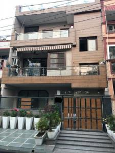 Gallery Cover Image of 1800 Sq.ft 2 BHK Independent Floor for rent in Sector 36 for 25000