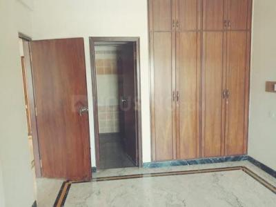 Gallery Cover Image of 4500 Sq.ft 4 BHK Apartment for rent in Sahana Nilaya Apartment, Ejipura for 80000