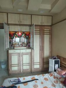 Gallery Cover Image of 1781 Sq.ft 3 BHK Apartment for rent in Parel for 180000