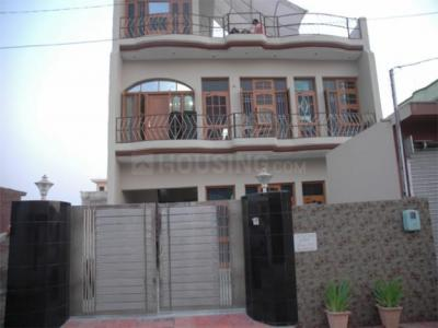 Gallery Cover Image of 1428 Sq.ft 2 BHK Independent Floor for rent in Sector 10A for 16000