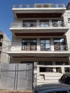 Gallery Cover Image of 1500 Sq.ft 4 BHK Independent House for buy in Sector 46 for 32500000