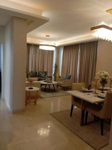 Gallery Cover Image of 1755 Sq.ft 3 BHK Apartment for rent in Sector 109 for 13000