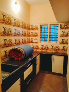 Gallery Cover Image of 1200 Sq.ft 1 BHK Independent Floor for rent in Sidedahalli for 7000