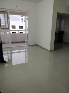 Gallery Cover Image of 800 Sq.ft 2 BHK Apartment for rent in Jaybhave Raj Tower, Rane Nagar for 8000