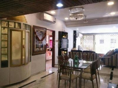 Gallery Cover Image of 1440 Sq.ft 2 BHK Apartment for rent in Dadar East for 90000