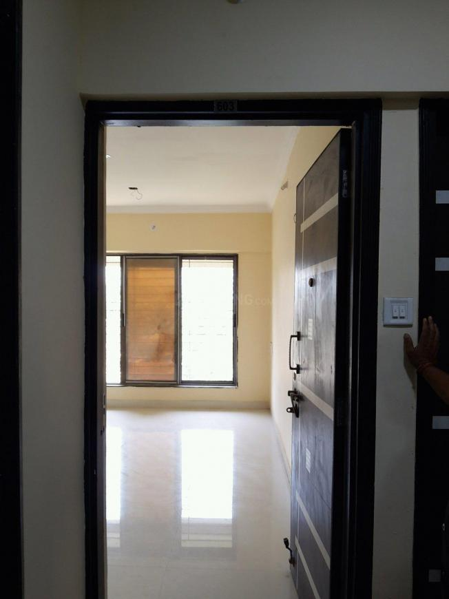 Main Entrance Image of 1050 Sq.ft 2 BHK Apartment for rent in Malad East for 32000