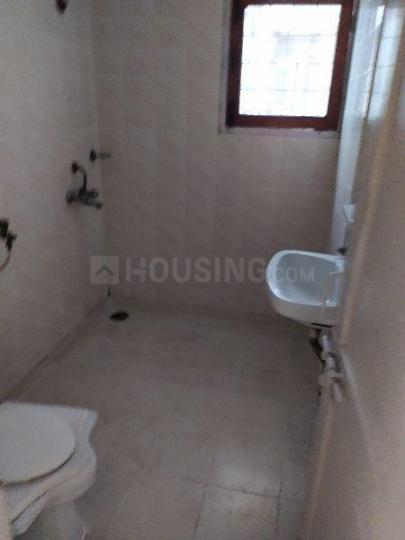 Common Bathroom Image of 950 Sq.ft 2 BHK Apartment for rent in CGEWHO CGEWHO Kendriya Vihar 2, Sector 82 for 13000
