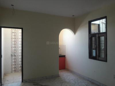 Gallery Cover Image of 500 Sq.ft 1 BHK Apartment for rent in Aya Nagar for 8500