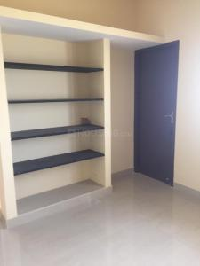 Gallery Cover Image of 1200 Sq.ft 3 BHK Independent Floor for rent in Kil Ayanambakkam for 12000