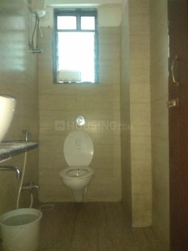 Bathroom Image of 585 Sq.ft 1 BHK Apartment for rent in Andheri East for 30000