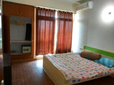 Gallery Cover Image of 1325 Sq.ft 3 BHK Apartment for rent in Sector 78 for 18500