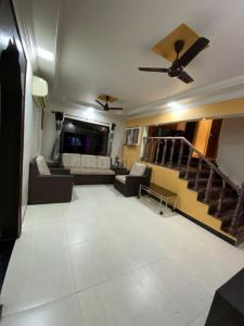 Gallery Cover Image of 1100 Sq.ft 2 BHK Apartment for buy in Airoli for 16000000