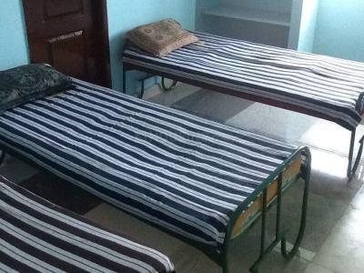 Bedroom Image of Rakshita Boys Hostel in Velachery