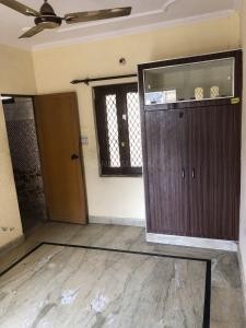 Gallery Cover Image of 500 Sq.ft 1 RK Independent Floor for rent in Niti Khand for 7000