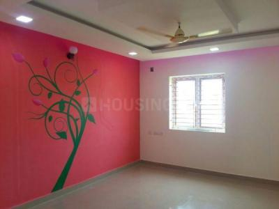 Gallery Cover Image of 1578 Sq.ft 3 BHK Apartment for rent in RKN Ektha Villas, Selaiyur for 25000