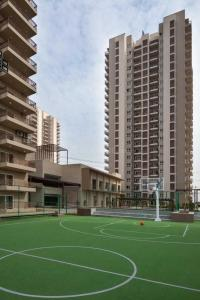 Gallery Cover Image of 1889 Sq.ft 3 BHK Apartment for rent in Adani Oyster Grande, Sector 102 for 19000