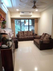 Gallery Cover Image of 965 Sq.ft 2 BHK Apartment for rent in Andheri West for 60000