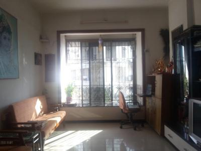 Gallery Cover Image of 850 Sq.ft 2 BHK Apartment for rent in Kurla East for 38000
