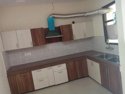Gallery Cover Image of 1100 Sq.ft 2 BHK Apartment for rent in Kharar for 12000
