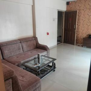 Gallery Cover Image of 920 Sq.ft 2 BHK Apartment for buy in Shree Sai Sneha Complex, Mira Road East for 8400000