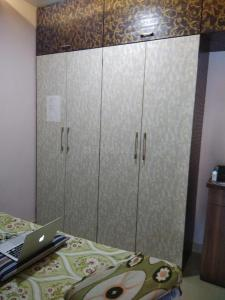 Gallery Cover Image of 2500 Sq.ft 3 BHK Apartment for rent in Krypton Towers, Prabhadevi for 180000