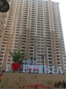 Gallery Cover Image of 1000 Sq.ft 2 BHK Apartment for rent in Nyati Elysia II, Kharadi for 18000