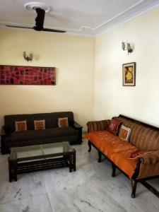 Gallery Cover Image of 4100 Sq.ft 5 BHK Independent House for buy in Sector 40 for 21000000