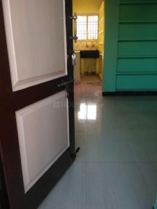 Gallery Cover Image of 700 Sq.ft 2 BHK Apartment for rent in Nanganallur for 7500