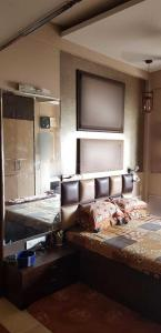 Gallery Cover Image of 1700 Sq.ft 3 BHK Apartment for buy in Dudhwala , Mazgaon for 60000000