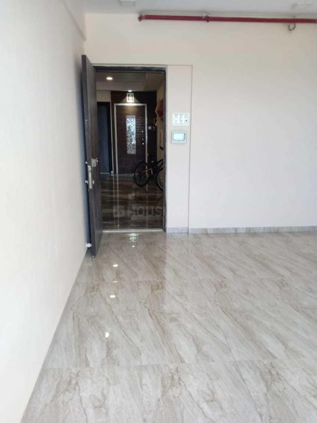 Living Room Image of 1050 Sq.ft 2 BHK Apartment for buy in Kandivali West for 16300000
