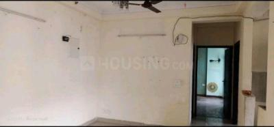 Gallery Cover Image of 2000 Sq.ft 2 BHK Apartment for rent in Jaypee Pebble Court, Sector 131 for 10000