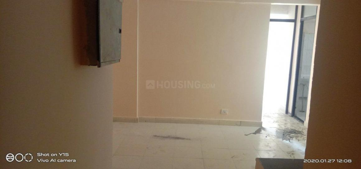 Living Room Image of 800 Sq.ft 2 BHK Apartment for rent in Sector 81 for 5500