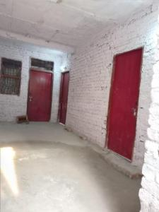 Gallery Cover Image of 1000 Sq.ft 4 BHK Apartment for rent in Shiv Durga Vihar for 10000
