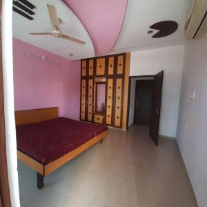Gallery Cover Image of 1700 Sq.ft 3 BHK Independent House for rent in Gotri for 16500