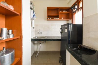 Kitchen Image of Oyo Life Grg1016 in Sushant Lok I