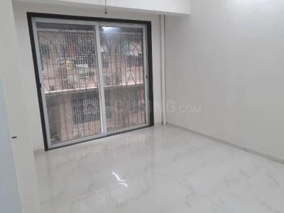 Gallery Cover Image of 1000 Sq.ft 3 BHK Apartment for buy in Kandivali West for 21000000