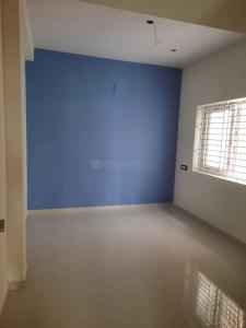 Gallery Cover Image of 750 Sq.ft 2 BHK Apartment for buy in Sembakkam for 3999999