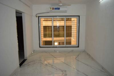 Gallery Cover Image of 576 Sq.ft 1 BHK Apartment for rent in Santacruz East for 45000