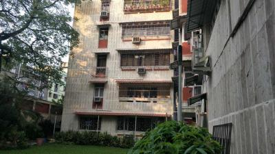 Gallery Cover Image of 2200 Sq.ft 3 BHK Independent Floor for rent in Ballygunge for 70000