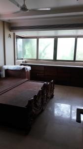 Gallery Cover Image of 1400 Sq.ft 3 BHK Apartment for buy in Dadar West for 57500000