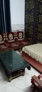 Gallery Cover Image of 750 Sq.ft 1 BHK Independent Floor for rent in Matiala for 10000