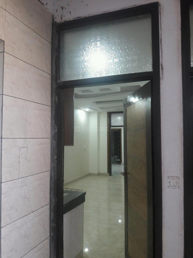 Main Entrance Image of 900 Sq.ft 2 BHK Apartment for buy in Shakti Khand for 3500000